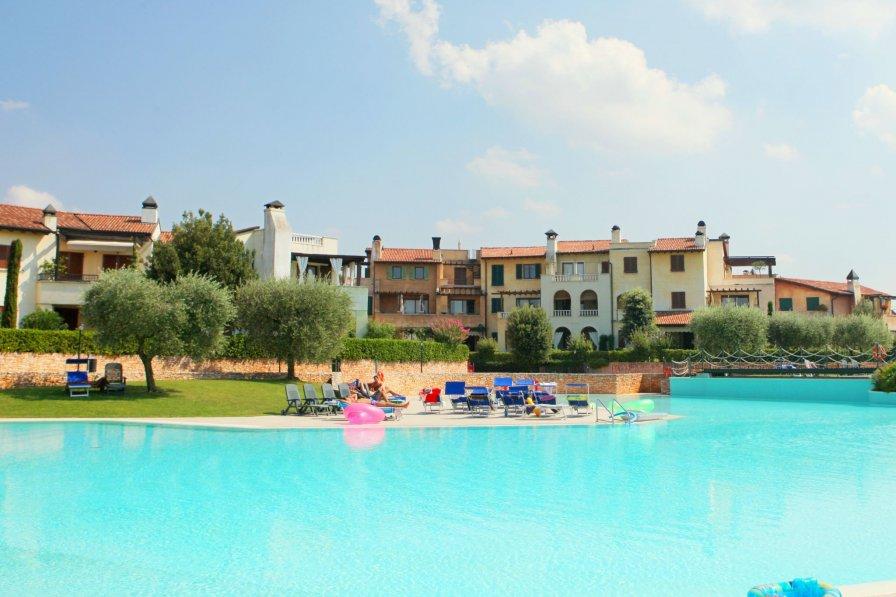 Owners abroad Garda Resort 11