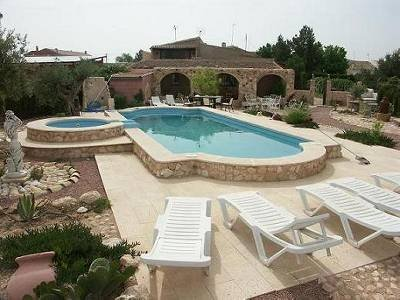 Country house in Spain, Úbeda (El Pinós): Pool and Garden