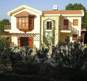 Villa in Cyprus, Alsancak: Picture 1 Green Valley Villa