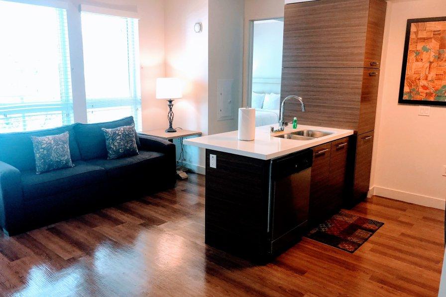 Owners abroad 2 bedroom Korea Town Rentals RU337