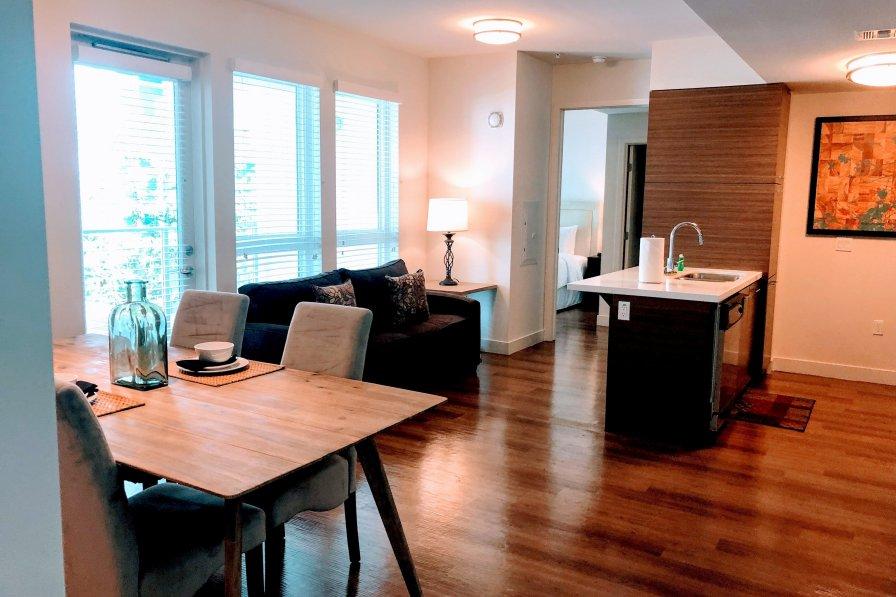 Owners abroad 2 bedroom Korea Town Rentals RU636