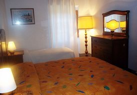 B&B La Pietra Grezza: the Triple Bed Room 18km  from Florence