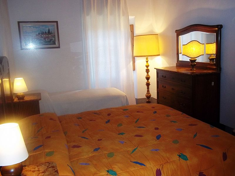 Country house in Italy, Rignano sull'arno: Triple bed room