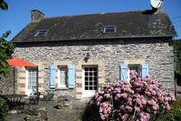 Cottage in France, Mur de Bretagne