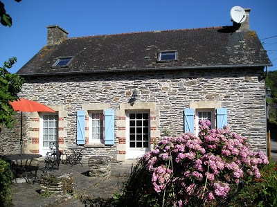 Cottage in France, Mur de Bretagne