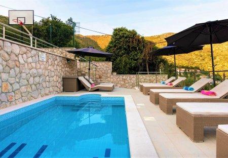 Penthouse Apartment in Zaton, Croatia