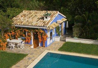 6 bedroom Villa for rent in Nueva Andalucia