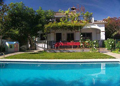 Villa in Spain, Nueva Andalucía: Villa