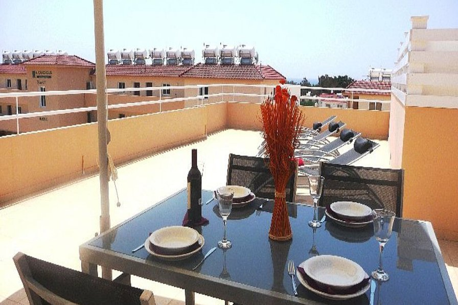 Apartment in Cyprus, Nissi Beach: Balcony