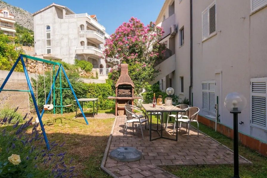 Owners abroad Apartments Divna