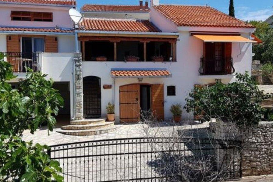 Owners abroad Villa Oliva