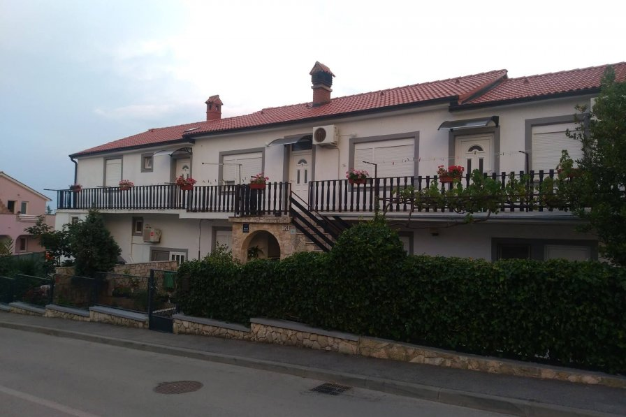Owners abroad Apartman Uzon