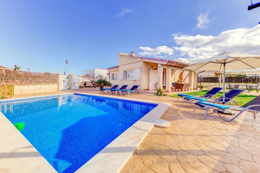 Owners abroad Playa de Muro villa to rent