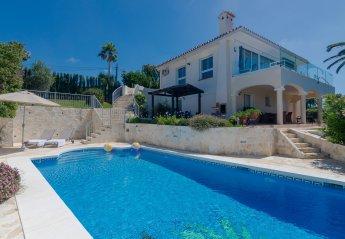 4 bedroom Villa for rent in Elviria