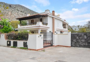5 bedroom Villa for rent in Palermo