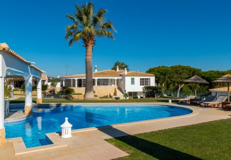Villa in Vale Navio, Algarve