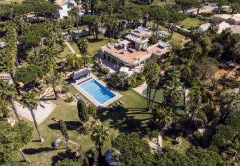 6 bedroom Villa for rent in Quarteira
