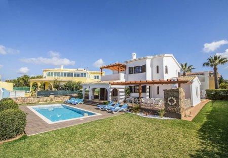 Villa in Galé, Algarve