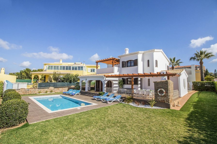 Villa in Portugal, Galé