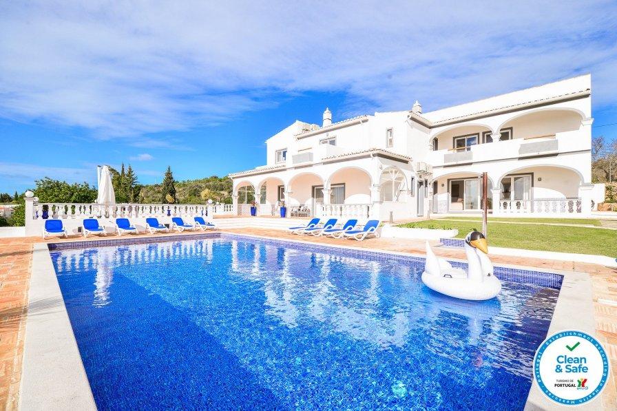 Villa in Portugal, Areolos