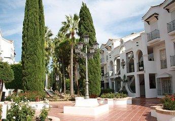 Apartment in Spain, Estepona: El Presidente