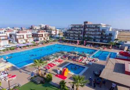 Apartment in Yeni Iskele, Cyprus