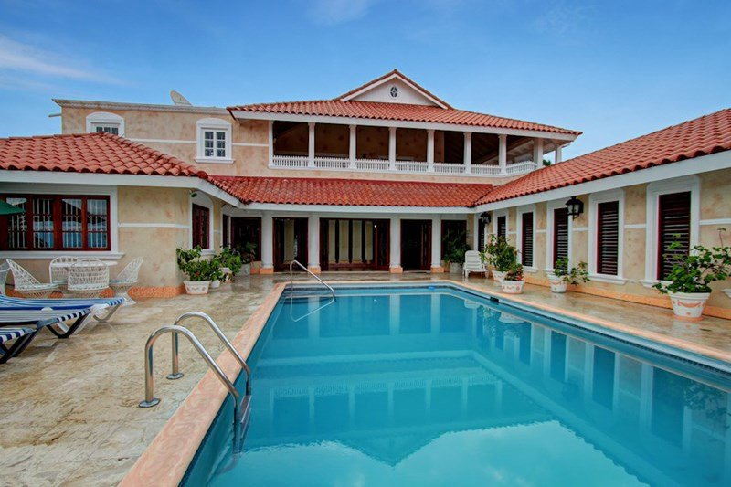 Chateau Gloria Luxury Villa with Private Pool and Ocean View