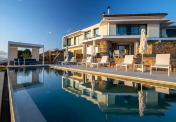 6 bedroom Villa for rent in Elounda