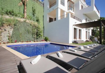 16 bedroom Villa for rent in Benahavis