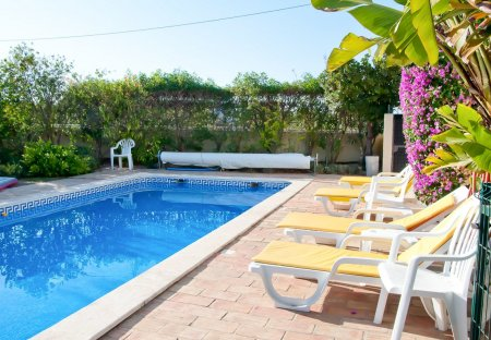 Villa in Alporchinhos, Algarve
