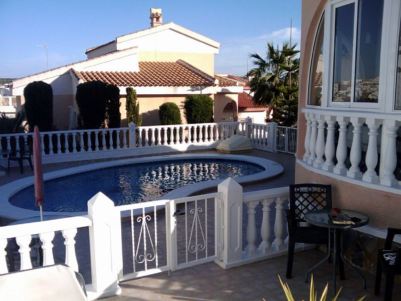 Villa in Spain, Ciudad Quesada: Pool area now enclosed with lockable gates...safer for young child..
