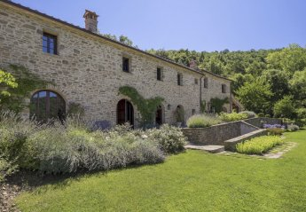 5 bedroom Villa for rent in Tuoro sul Trasimeno