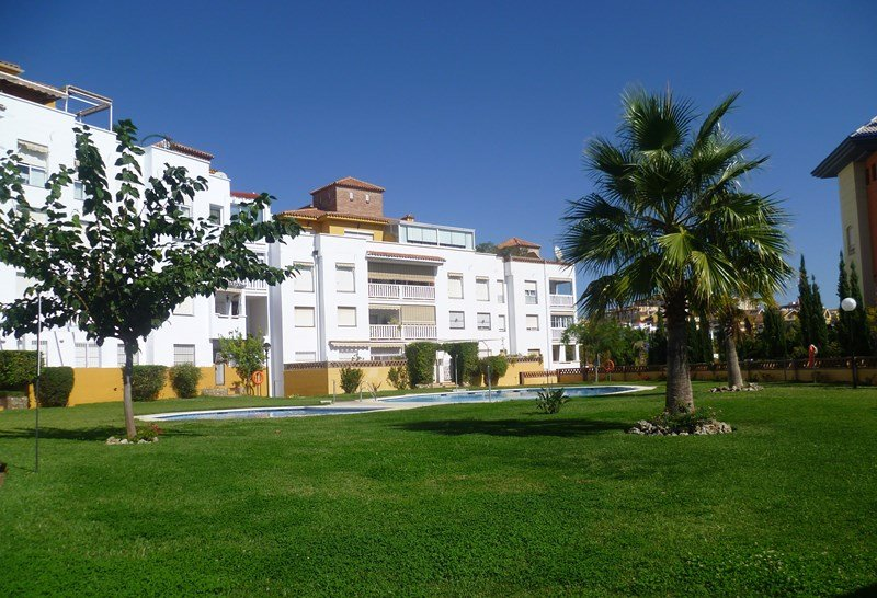 Apartment in Spain, Benalmádena Costa: Apartments, Communal Pool & Gardens