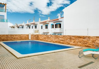 3 bedroom Villa for rent in Manta Rota