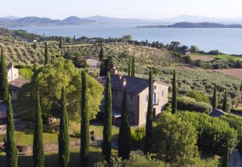 6 bedroom Villa for rent in Magione