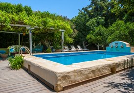 Stonebuilt villa w. chloor free swimming pool in picturesque vlge
