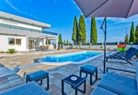 Villa in Bogomolje, Croatia