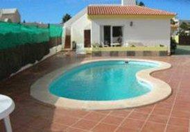 Apartment in Corralejo, Fuerteventura: pool area