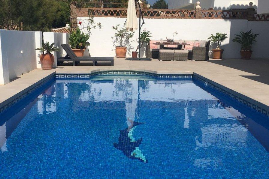 Villa in Spain, Urbanización los Claveles I y II