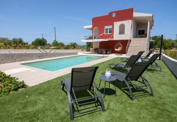 4 bedroom Villa for rent in Rhodes Town
