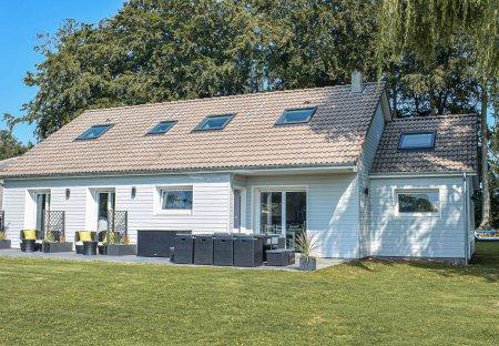 Villa in Saint-Martin-aux-Buneaux, France