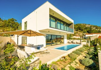 4 bedroom Villa for rent in Orasac