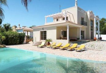 4 bedroom Villa for rent in Olhao