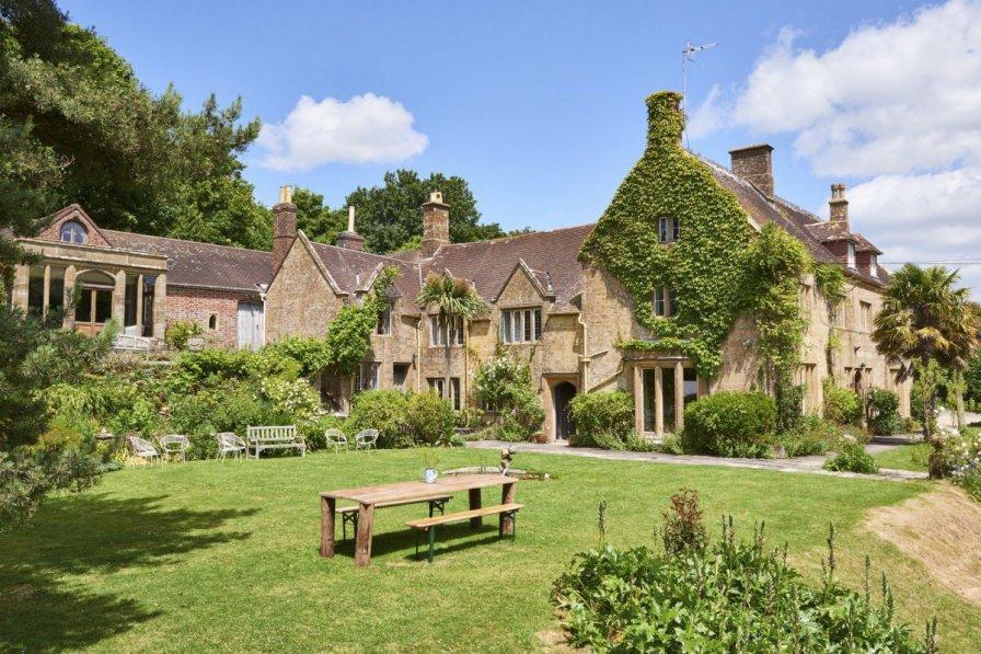 Chateau in United Kingdom, Symondsbury