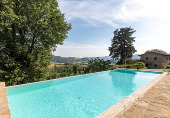 6 bedroom Villa for rent in Perugia