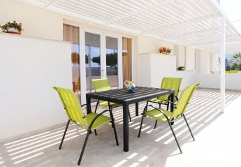 2 bedroom Apartment for rent in Marina di Ragusa