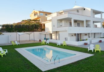 4 bedroom Apartment for rent in Marina di Ragusa