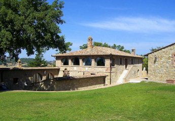 7 bedroom Villa for rent in Pienza