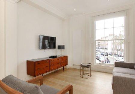 Apartment in Royal Hospital, London