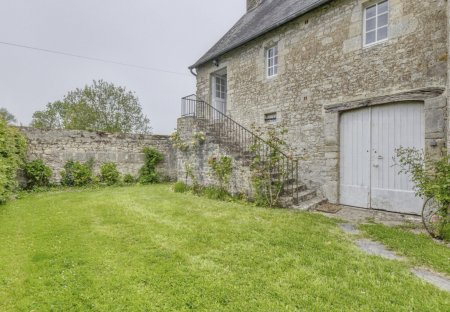 House in Formigny-la-Bataille, France